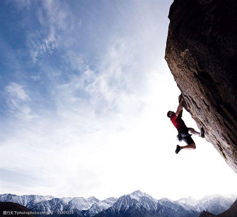 登山者攀岩图片