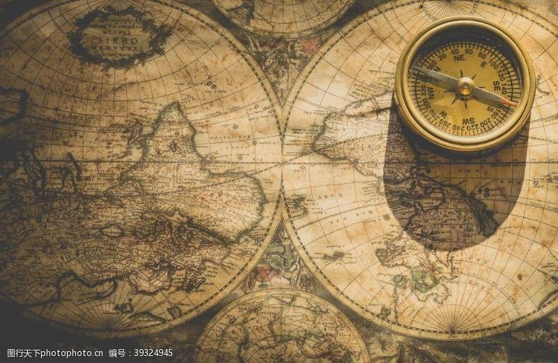 指引位置的指南针古老世界地图图片