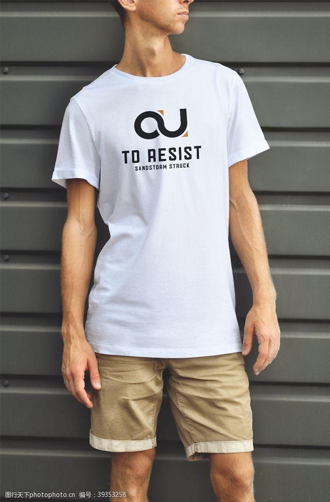 男士t恤T恤衣服样机图片