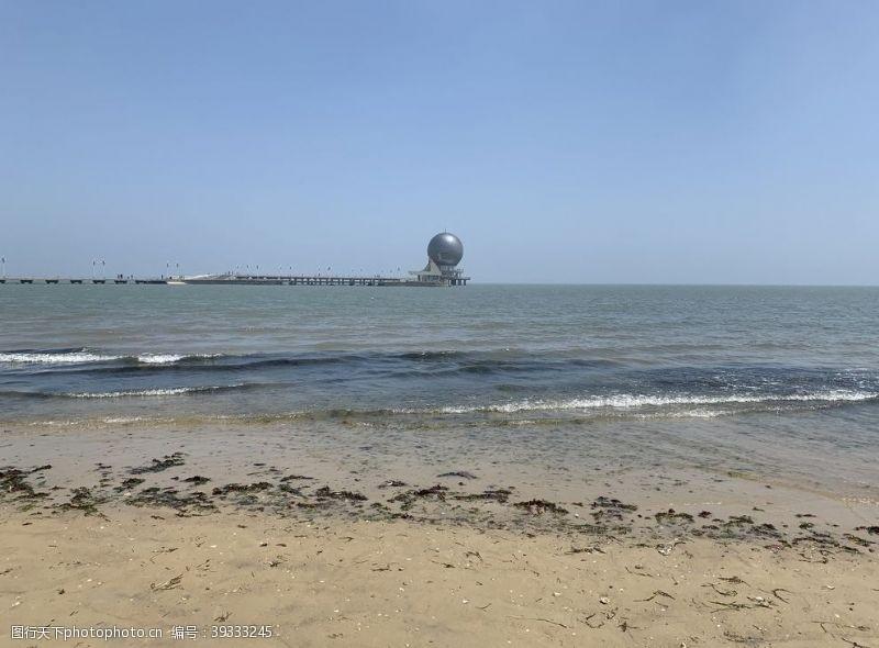 烟台海边灯塔图片