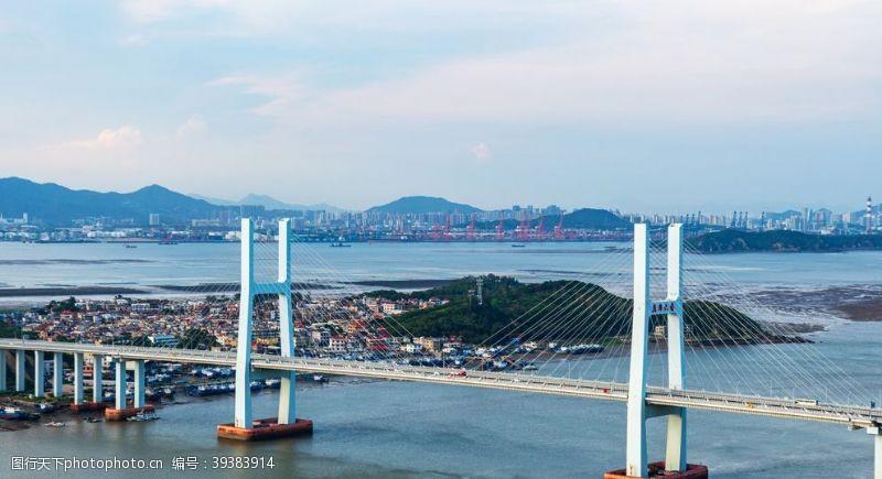 城市大桥建筑背景海报素材图片