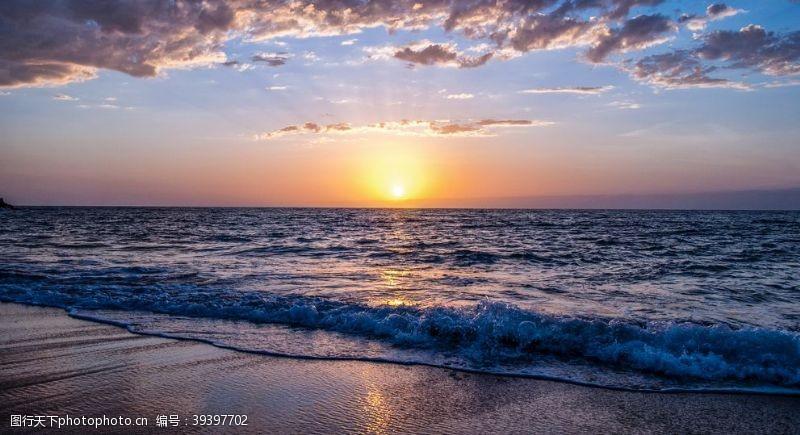 日落黎明海滩图片