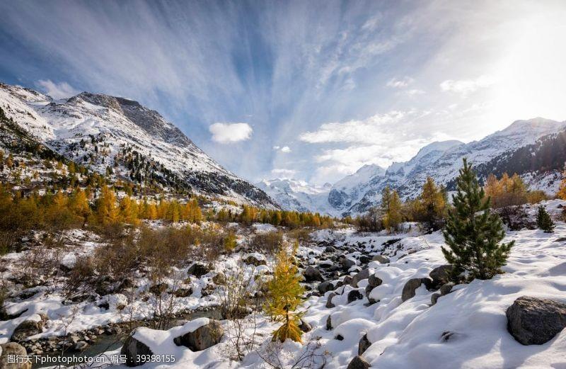 山脉雪景图片