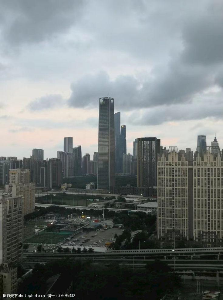 高楼大厦城市之光图片
