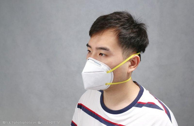 模特KN95口罩头戴式实拍图图片
