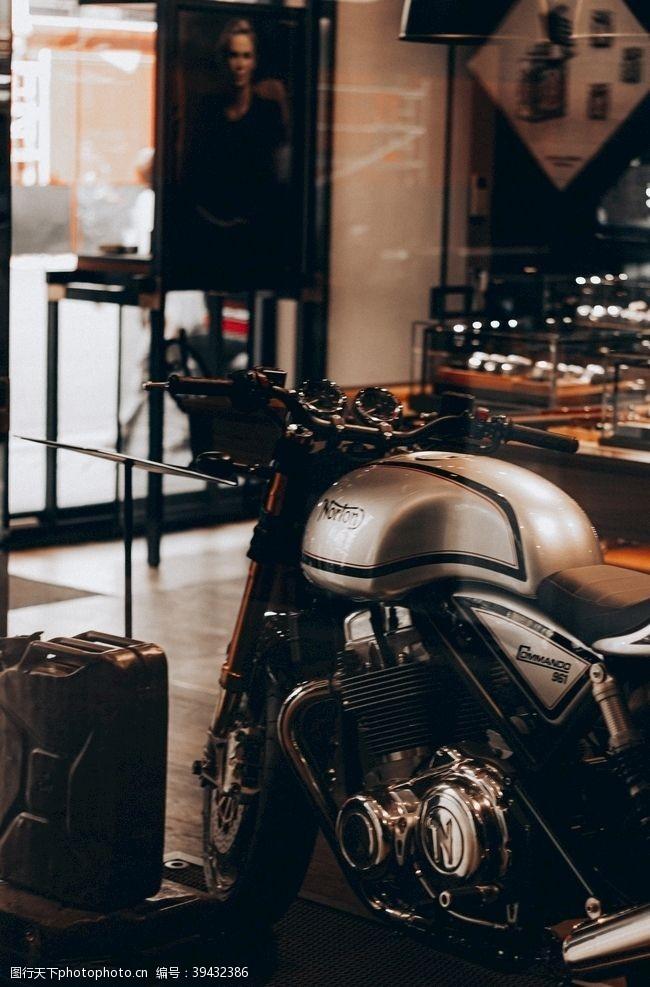 速度摩托车机车图片