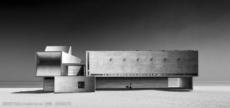 海边黑白建筑背景海报素材图片