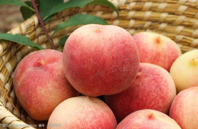 日本金秋红蜜蜜桃图片