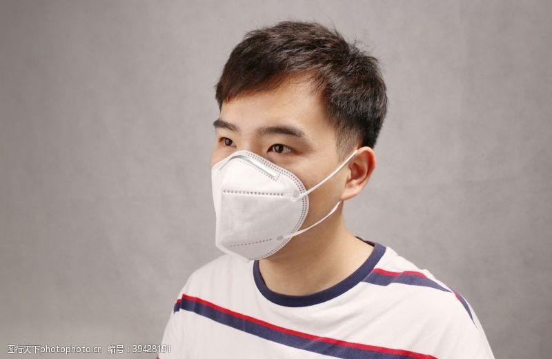 模特KN95口罩耳带式实拍图图片