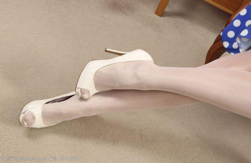 美女图片美腿丝袜美女高跟鞋连裤袜图片