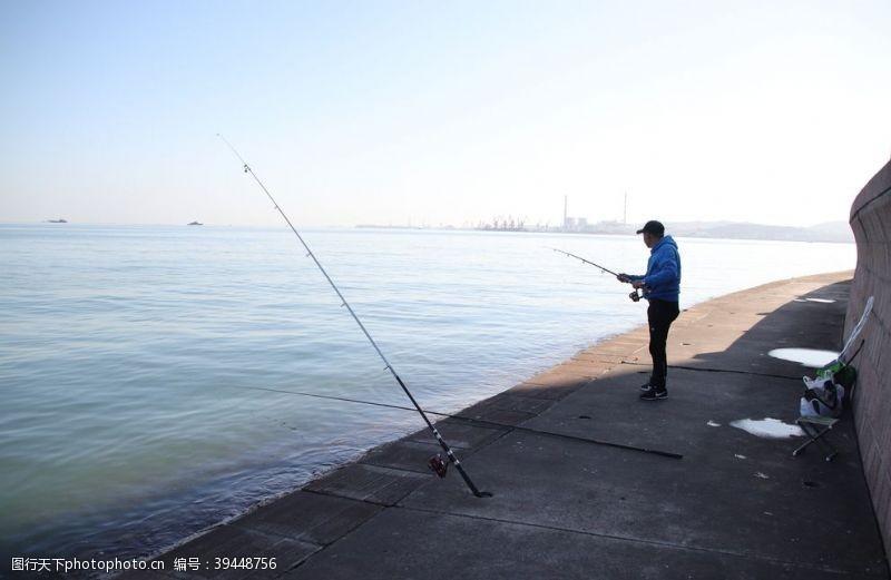 海钓钓鱼图片