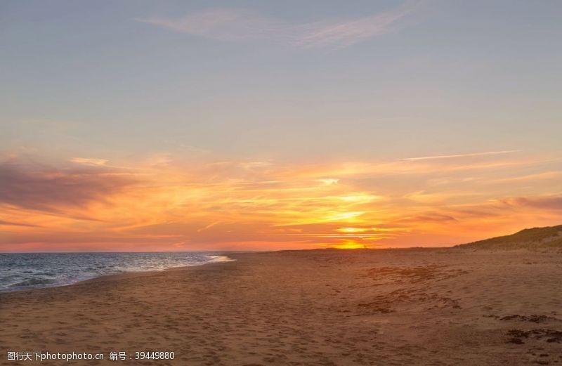 天空海与沙滩图片