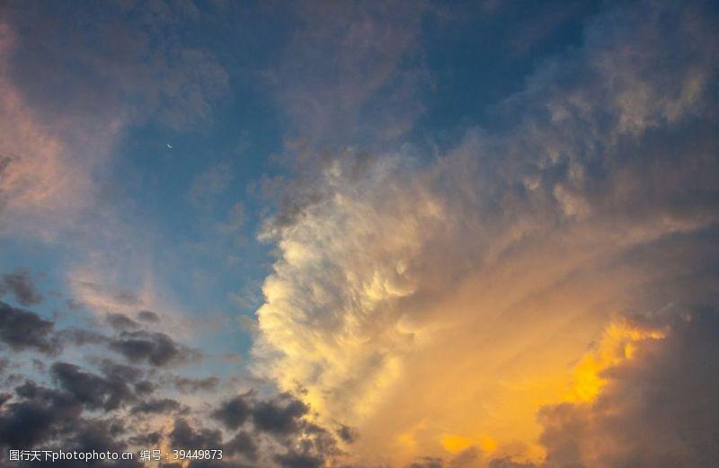 天空蓝天白云图片