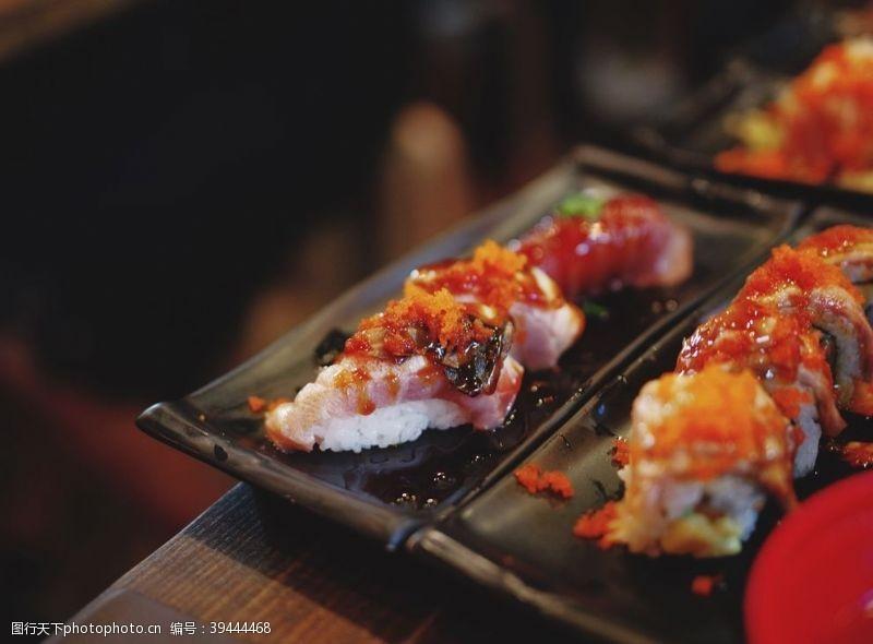 日食寿司图片