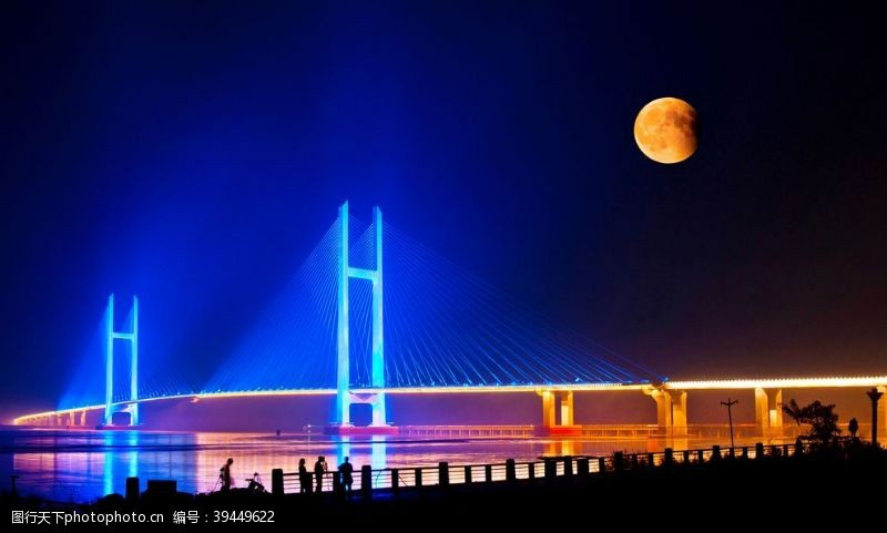 江桥夜色图片