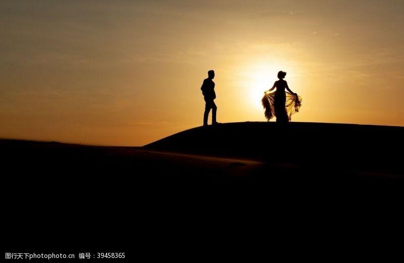 男性男人夕阳人物剪影图片