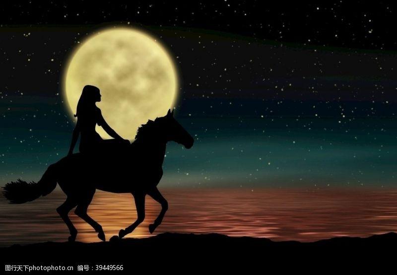 月亮月光下骑马图片