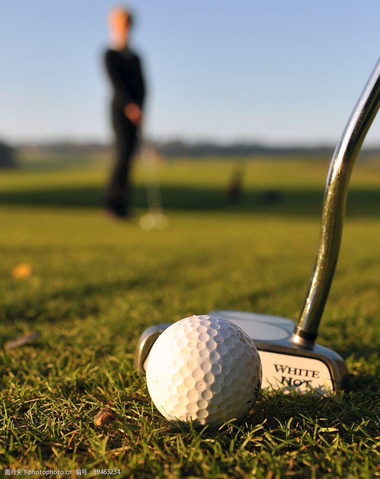 高尔夫广告高尔夫球图片