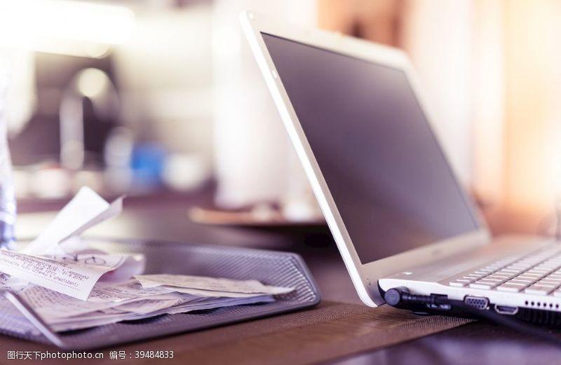 键盘电脑图片