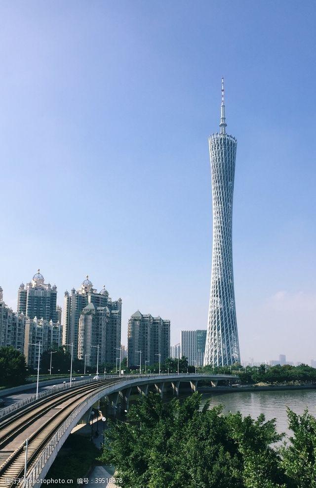 高塔城市建筑地标旅游背景素材图片