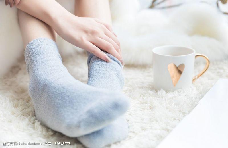 冬季袜子保暖女性背景海报素材图片