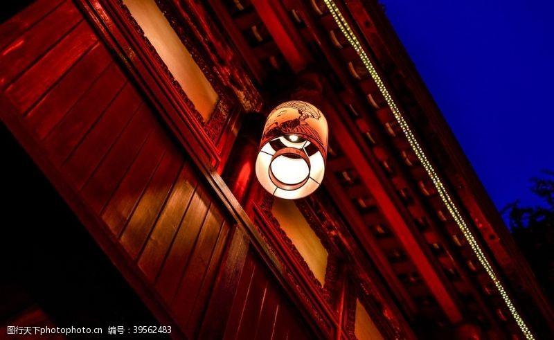 夜晚复古建筑灯笼背景海报素材图片