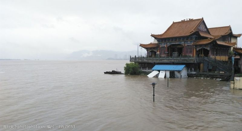长江洪水来临图片