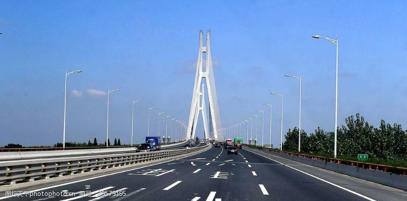 雄伟的南京长江二桥图片