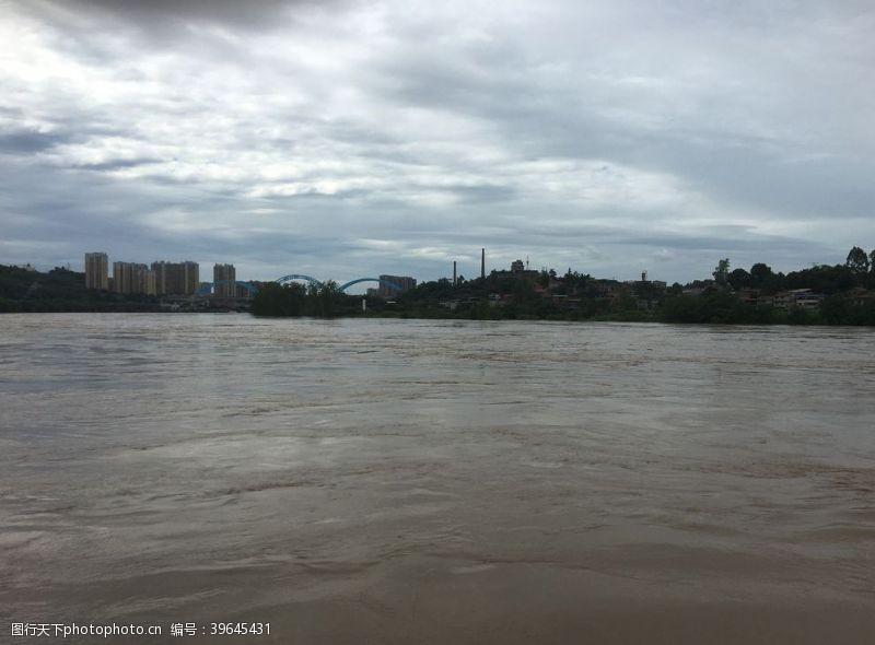 洪水沱江图片