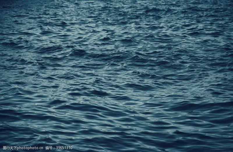 海平面大海图片