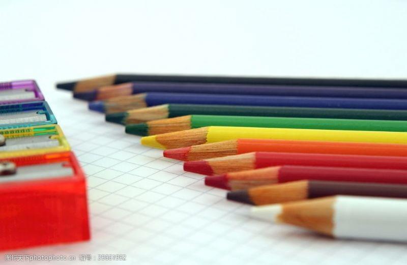 静止彩色铅笔图片