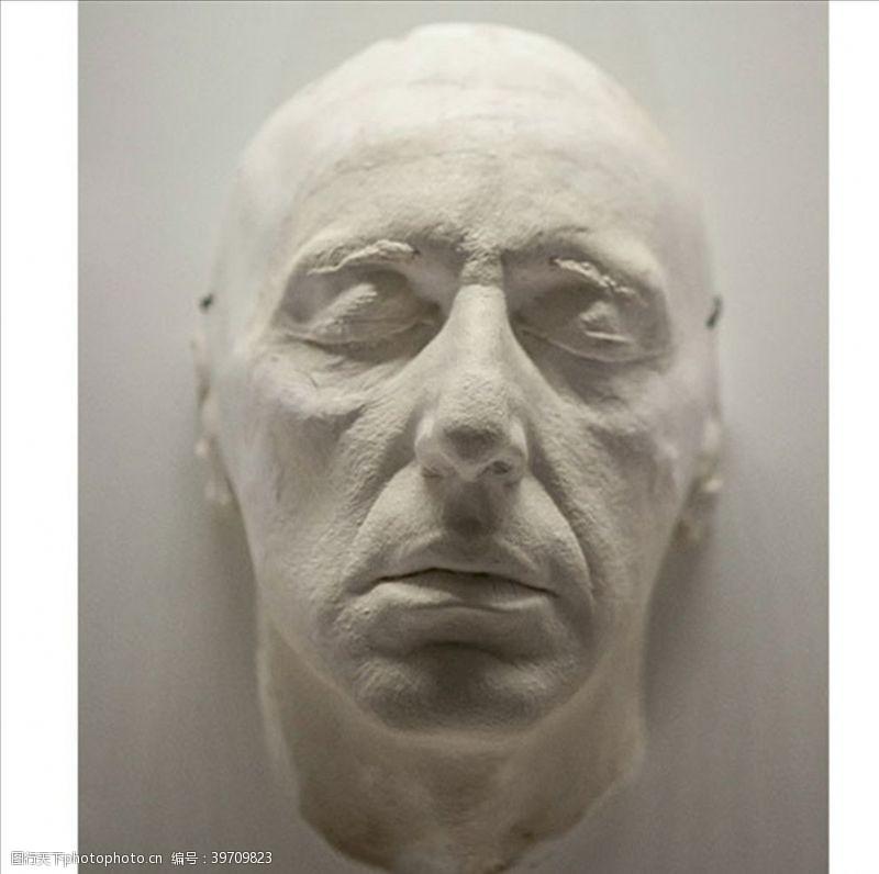 轮子雕塑之真实的面孔图片