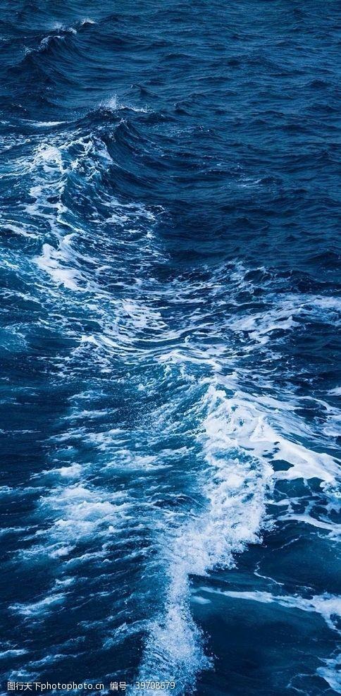 蓝色大海背景图片