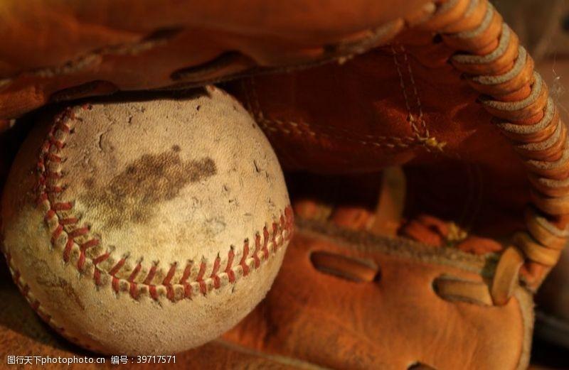 球类运动垒球图片