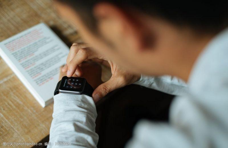 oppo智能手表图片