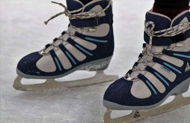 溜冰场溜冰鞋图片