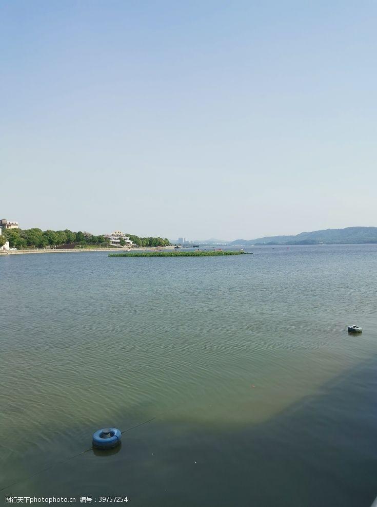 岛屿湖图片
