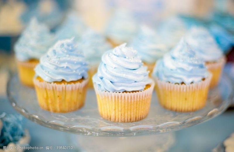烘焙坊纸杯蛋糕图片