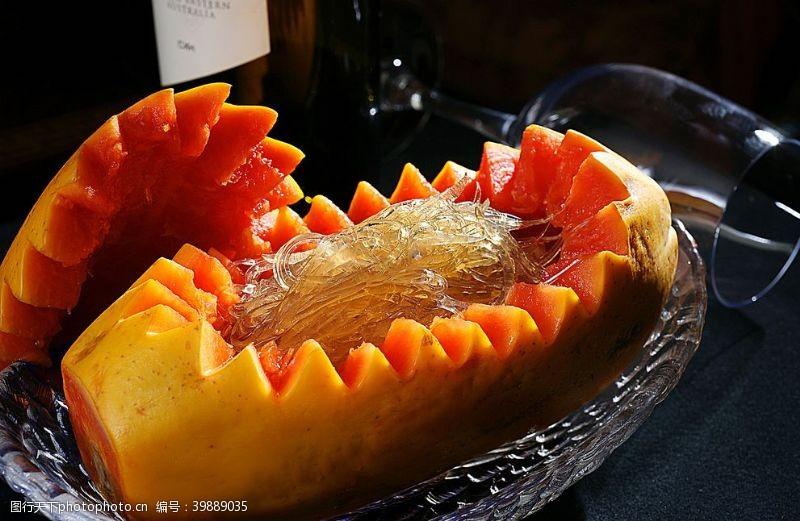 传统美食木瓜炖青片翅图片