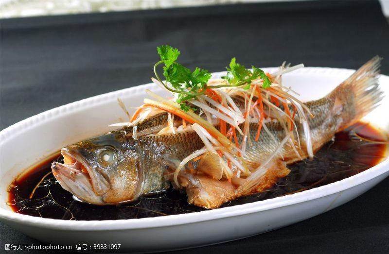 头菜丝蒸鲈鱼图片