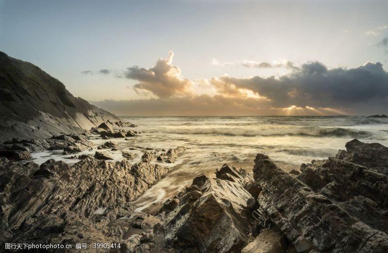 美丽的充满活力的日落英国康沃图片