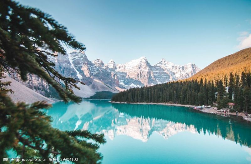 高山风景湖面图片