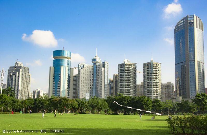 城市绿化高楼建筑图片
