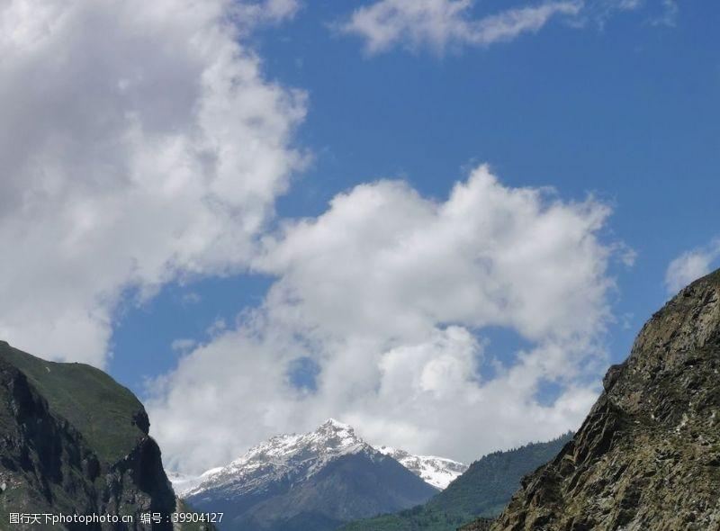 高山雪山图片