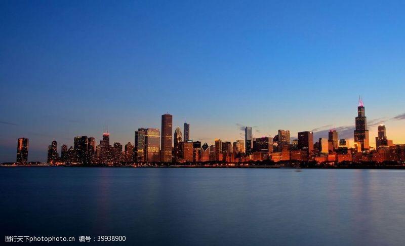 青山海面城市图片