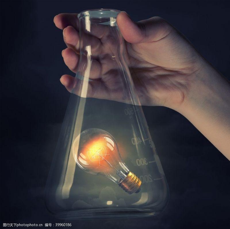 火创意灯泡图片