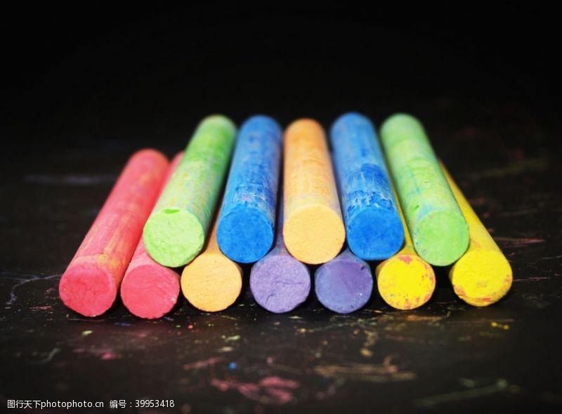 写字粉笔图片
