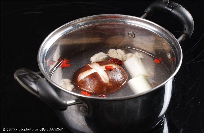 可煲汤枣乌鸡煲汤锅图片
