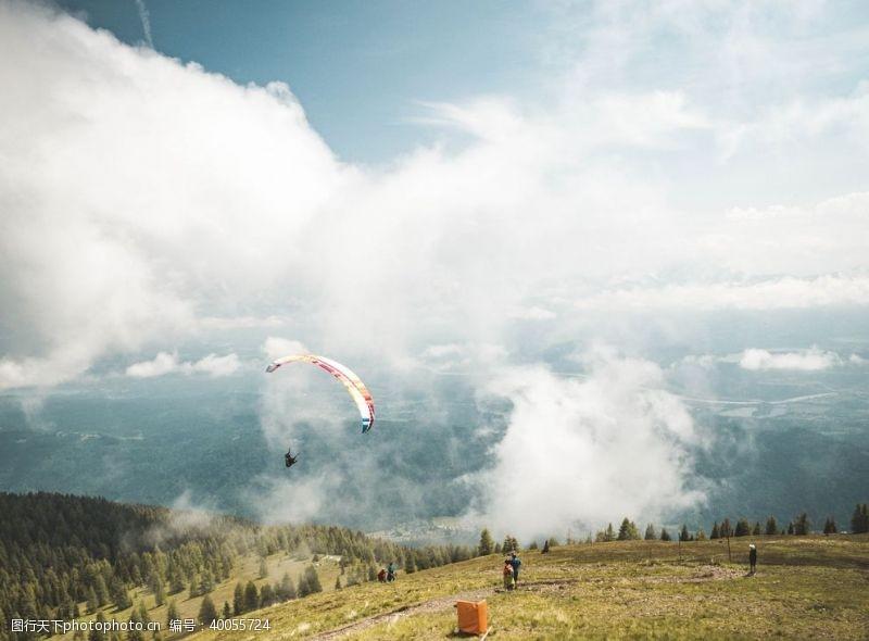 极限运动翱翔图片