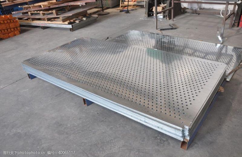 钢板不锈钢镀锌钢冲孔网板图片